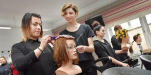 Сколько получают парикмахеры в москве